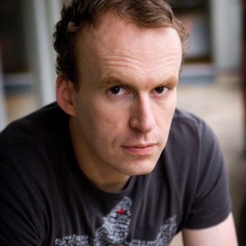 Portrait of writer Matt Haig.